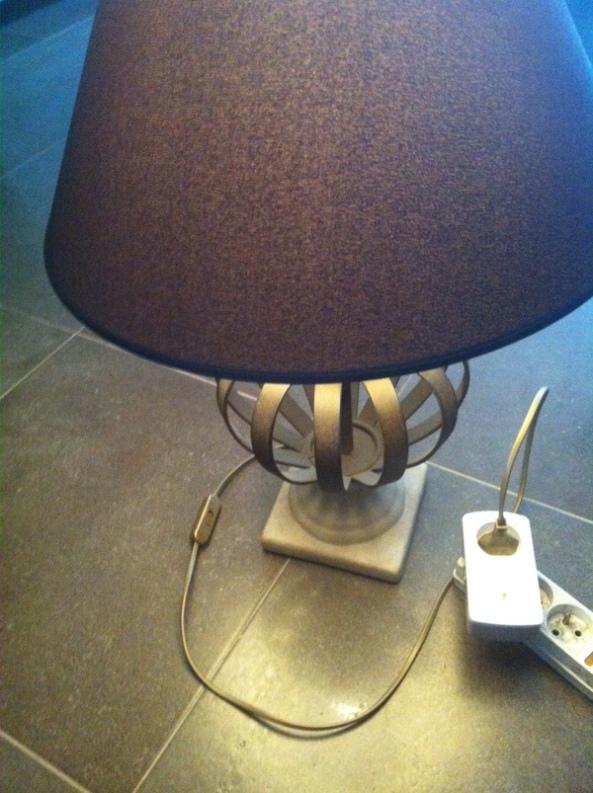2-lampe et AN158